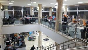 Elazığ Belediyesinin depremzedelere hizmeti sürüyor