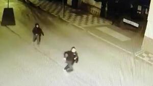 Yazlık villalardan hırsızlık yapan şüpheliler, güvenlik kamerasına yansıdı
