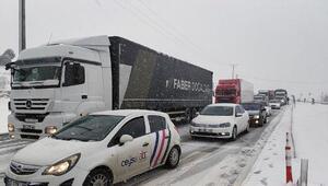 Burdur- Antalya karayolu trafiğe kapandı