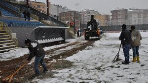Futbola kar engeli Maçlar ertelendi...