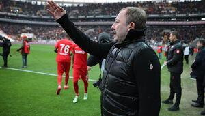 Beşiktaşta Sergen Yalçına büyük destek