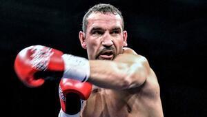 Türk boksör Fırat Arslan, Güney Afrikalı rakibi Kevin Lerena'ya yenildi