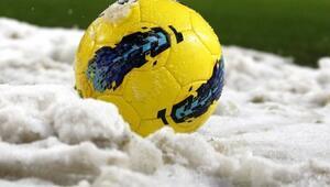 Kar yağışı nedeniyle 9 karşılaşma ertelendi