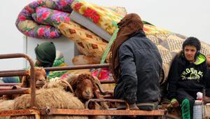 İdlibden saldırılar nedeniyle göç edenlerin sayısı 830 bine ulaştı