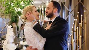 Sunucu Cansu Canan Özgen nişanlandı