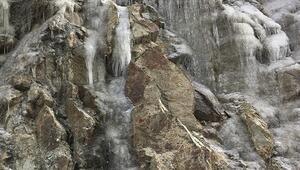 Toros Dağları buz tuttu