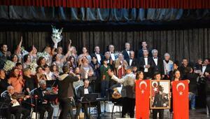 Türk Sanat Müziği Korosu seyirciden tam not aldı