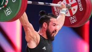 Milli halterci Daniyar İsmayilov, Özbekistanda 3 altın madalya kazandı