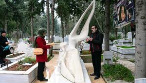Özgecan Aslan, ölümünün 5inci yılında mezarı başında anıldı