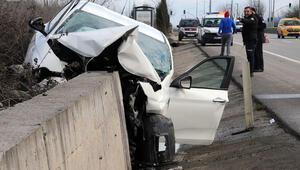 Korkunç kaza Araç bu hale geldi