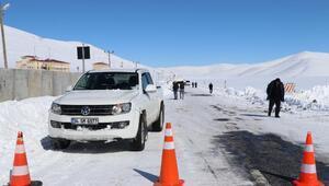 Van - Çatak karayolu çığ nedeniyle kapalı tutuluyor