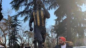 Fenerbahçenin efsane ismi Alex de Souza'dan Hürriyet Gücer'e esprili yanıt