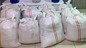 Silivride 2 ton 700 kilo kaçak tütün ele geçirildi: 3 gözaltı