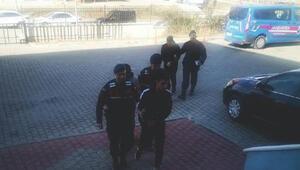 Edirnede göçmen kaçakçılığına 3 tutuklama
