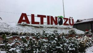 Kar, Altınözü'nde kartpostallık manzaralar oluşturdu