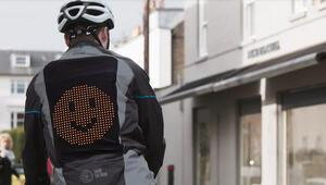 Ford'dan bisikletlilere özel emoji ceketi