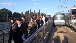 İstanbulda Topkapı-Mescid-i Selam tramvay seferlerinde arıza