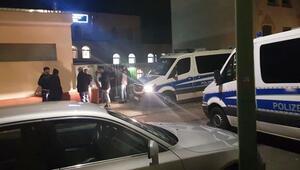 Almanya'da 4 camiye asılsız bomba ihbarı bir camiye de saldırı