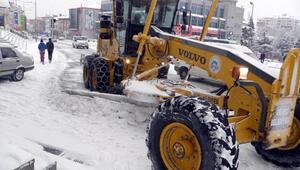 Kayseride 130 mahalle yolu ulaşıma kapandı