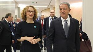 Milli Savunma Bakanı Akar, Şekerinska ile görüştü