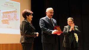 Beşir Göğüş Ödülü Mehmet Saydura verildi