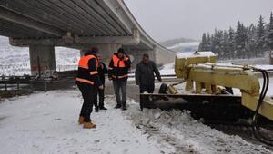 İslahiye'de karla mücadele devam ediyor