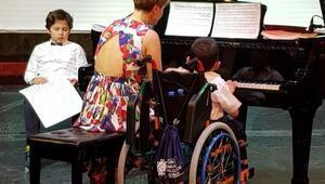 Harika çocuklardan konser