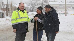 Belediye ekiplerinden yoğun kar mesaisi