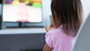Çocukların ekran karşısında geçirdiği süreye dikkat
