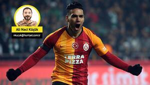 Fatih Terim kararını verdi: Adem Büyük sahada, Radamel Falcao kulübede