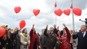 Kuşadasında 14 Şubatta Aşk Korteji