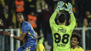 Fenerbahçenin kabusu: 12. kez kaleye gelen ilk top gol oldu