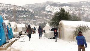 Esad'dan kaçtılar kışa yakalandılar