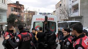 Esenyurtta polislere bıçakla direnen cezaevi firarisi vurularak yakalandı
