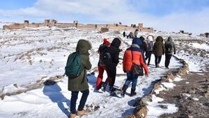 Orta Çağın hoşgörü kenti Ani çetin kışta da ilgi görüyor