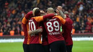 Galatasaray, ikinci yarıda farkı kapattı