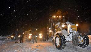 Muşta, tipide yolda kalan araçlardaki 1i bebek 20 kişi kurtarıldı