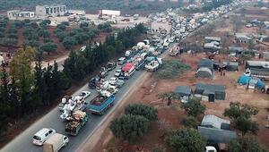 Son dakika… 148 bin sivil daha Türkiye sınırı yakınlarına göç etti
