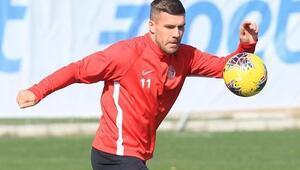Lukas Podolskiden esktra mesai İzin gününde...