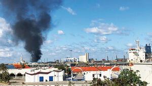 Hafter, Trablus limanına roketli saldırı düzenledi