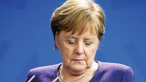 Merkel'e isyan sesleri