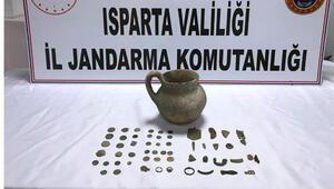Ispartada 58 parça tarihi eser ele geçirildi; 3 gözaltı