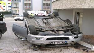 Otomobil 10 metreden beton zemine çakıldı