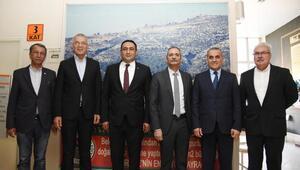 Mersinde ilçe belediye başkanları bir araya geldi
