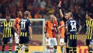Son 52 Fenerbahçe - Galatasaray derbisinde 40 kırmızı kart çıktı