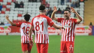 Podolski, Jahovic ve Sinan Gümüş, performansıyla Antalyasporu sevindirdi