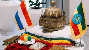 Hollanda, 3 asırlık tacı Etiyopyaya iade etti