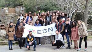 İzmir Ekonomiden uluslararası öğrenciler için sürpriz gezi