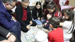 Rize'de, Misafiriniz Var projesi ile öğrenci ailelerine ziyaret