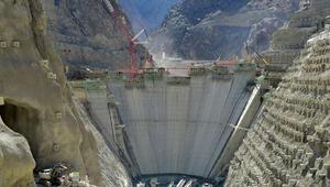 Yusufeli Barajı inşaatı hızla devam ediyor